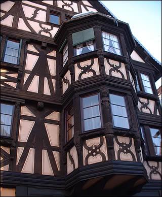Maison alsacienne à oriel