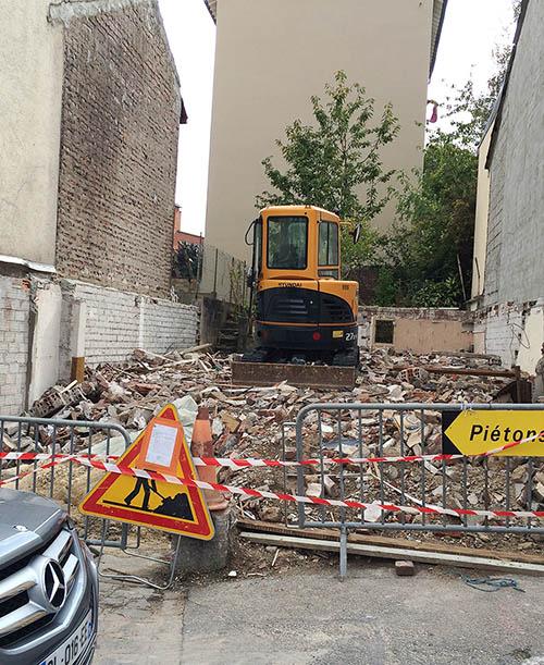 Démolition délicate entre constructions mitoyennes. Suivi : FranceMaisons.idf