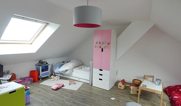 Maison de ville en bois. Vastes chambres d'enfants. FranceMaisons.idf