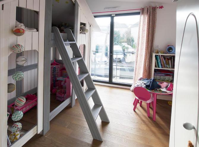 maison ville design Nantere chambre d'enfant en pleine lumière