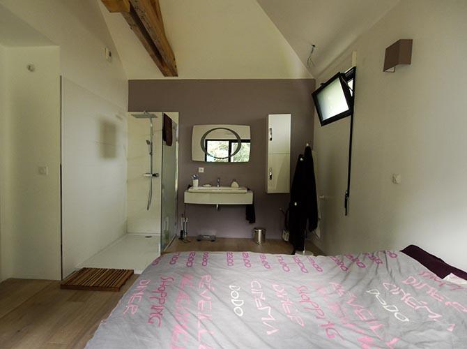 Bièvres. Maison contemporaien et design. Chambre parentale avec douche