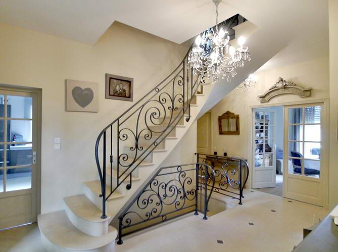 Superbe escalier en voûte sarrazine. L'artisanat : un art
