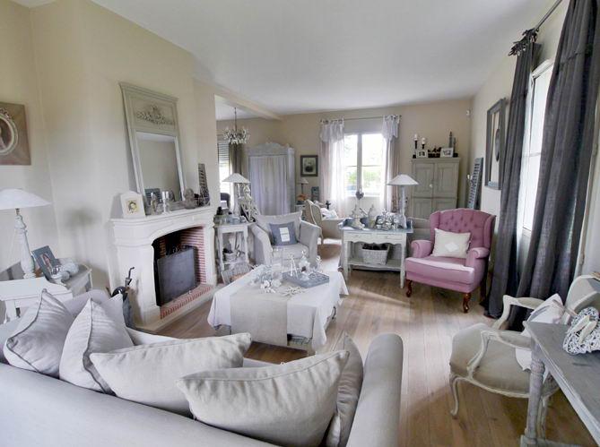 Villa île de France. Neauphle-le-Château. Salon cheminée