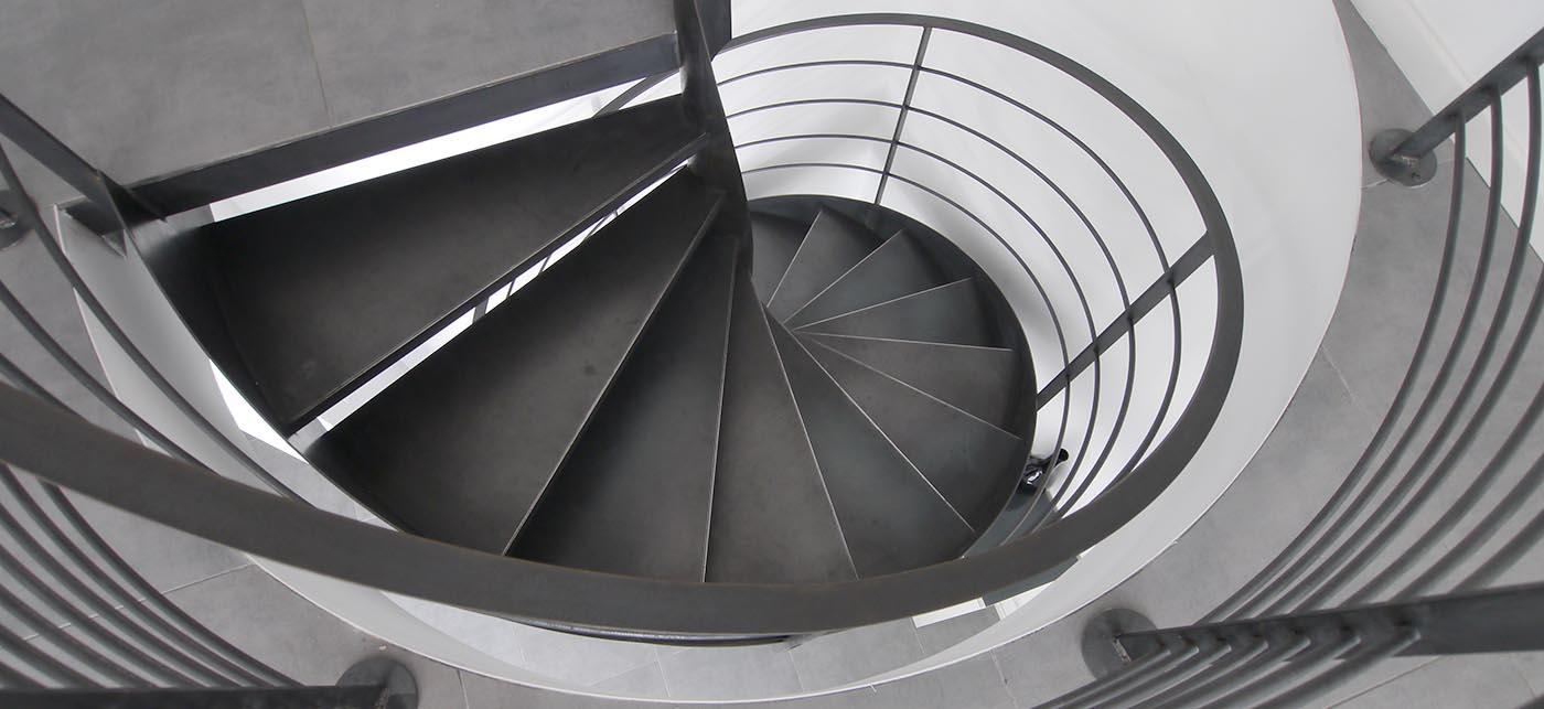 France-Maisons l'a pensé : escalier circulaire métallique silencieux