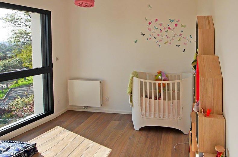Maison design moderne Verrieres-le-Buisson. Chambre d'enfant