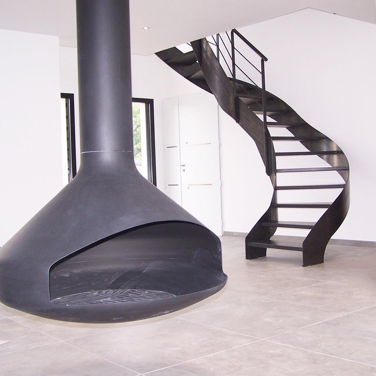 Cheminee, foyer ouvert  et escalier design